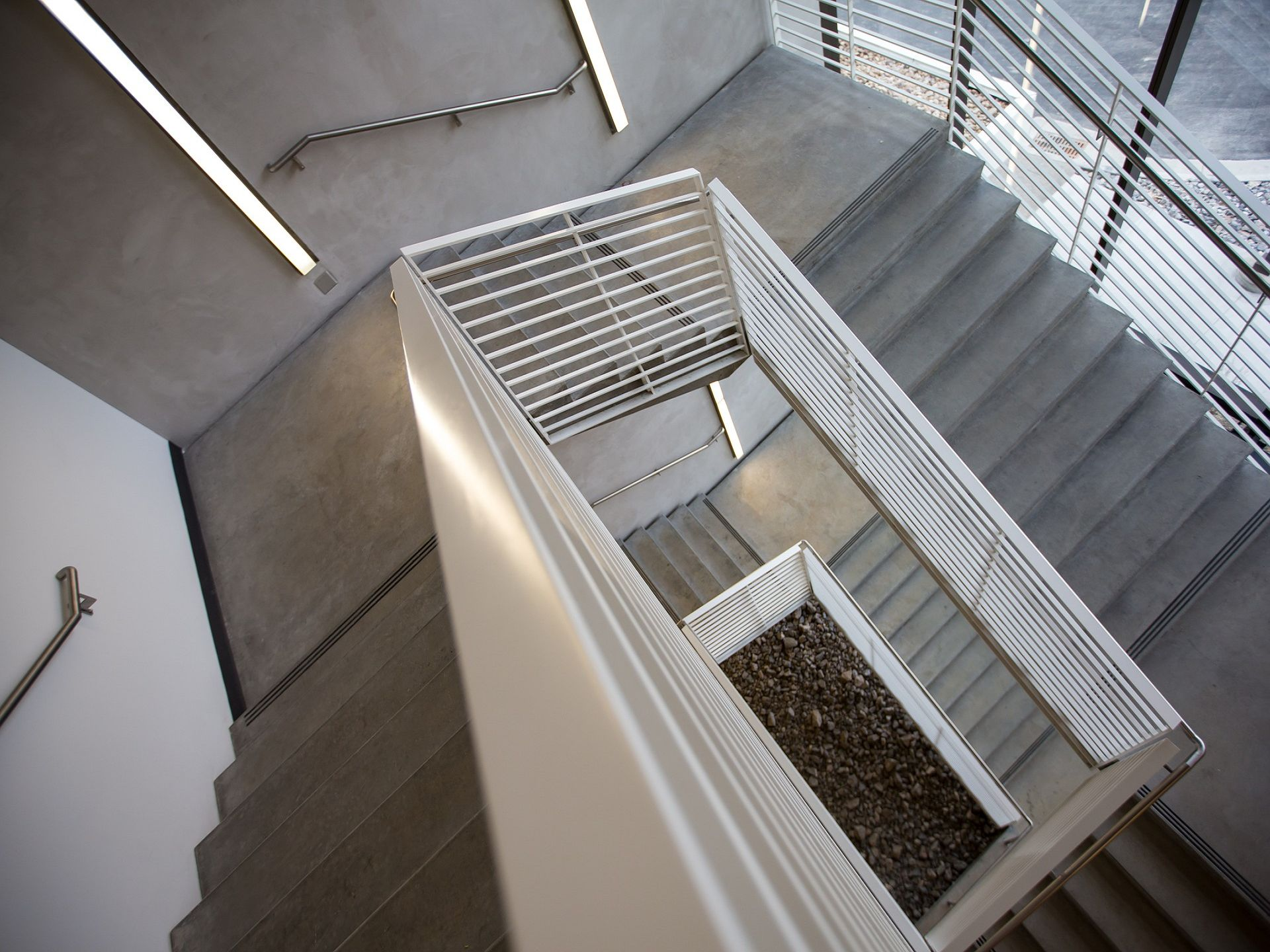 k-staircase-802032_1920